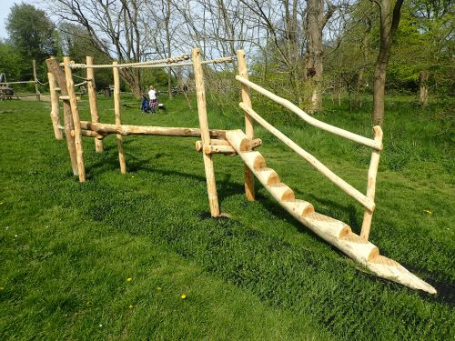 Balance-Beam-With-Rope-Farnham-Park-Rustic-Trim-Trail-By-Flights-of-Fantasy