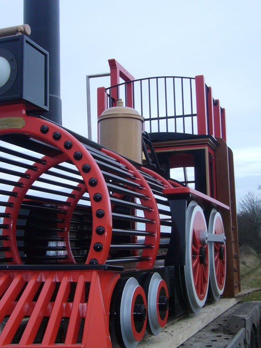 body-of-train-pacific-locomotive-childrens-play-train-with-climb-wall-slide-pole-and-ladder