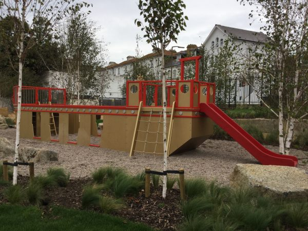 Bow Dreamland Play Pirate Ship