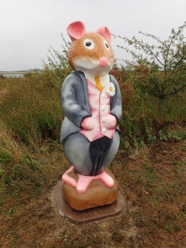 Brambly Hedge Nature Trail Wooden Carvings And Sculptures At Abberton Reservoir By Flights Of Fantasy Mr Toadflax
