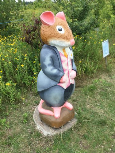 Brambly Hedge Wooden Sculpture Smart Mouse Abberton Reservoir Site Revisit E1509800815223