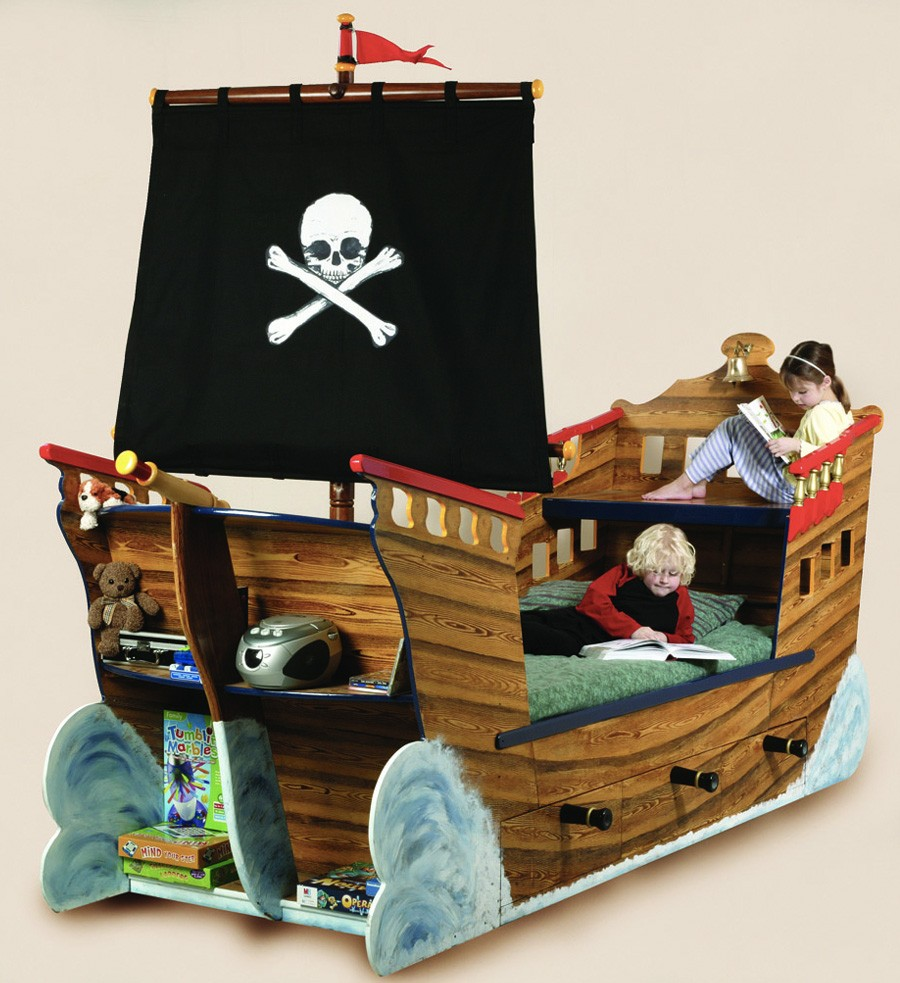 Pirate Bedroom Furniture Pirate Ship Beds Flights Of Fantasy