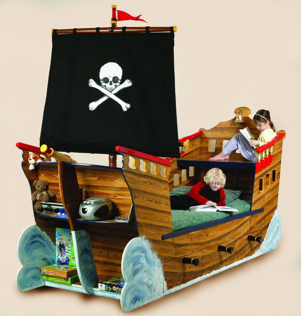 Pirate ship bed interior decorating and home design ideas Wooden childrens furniture