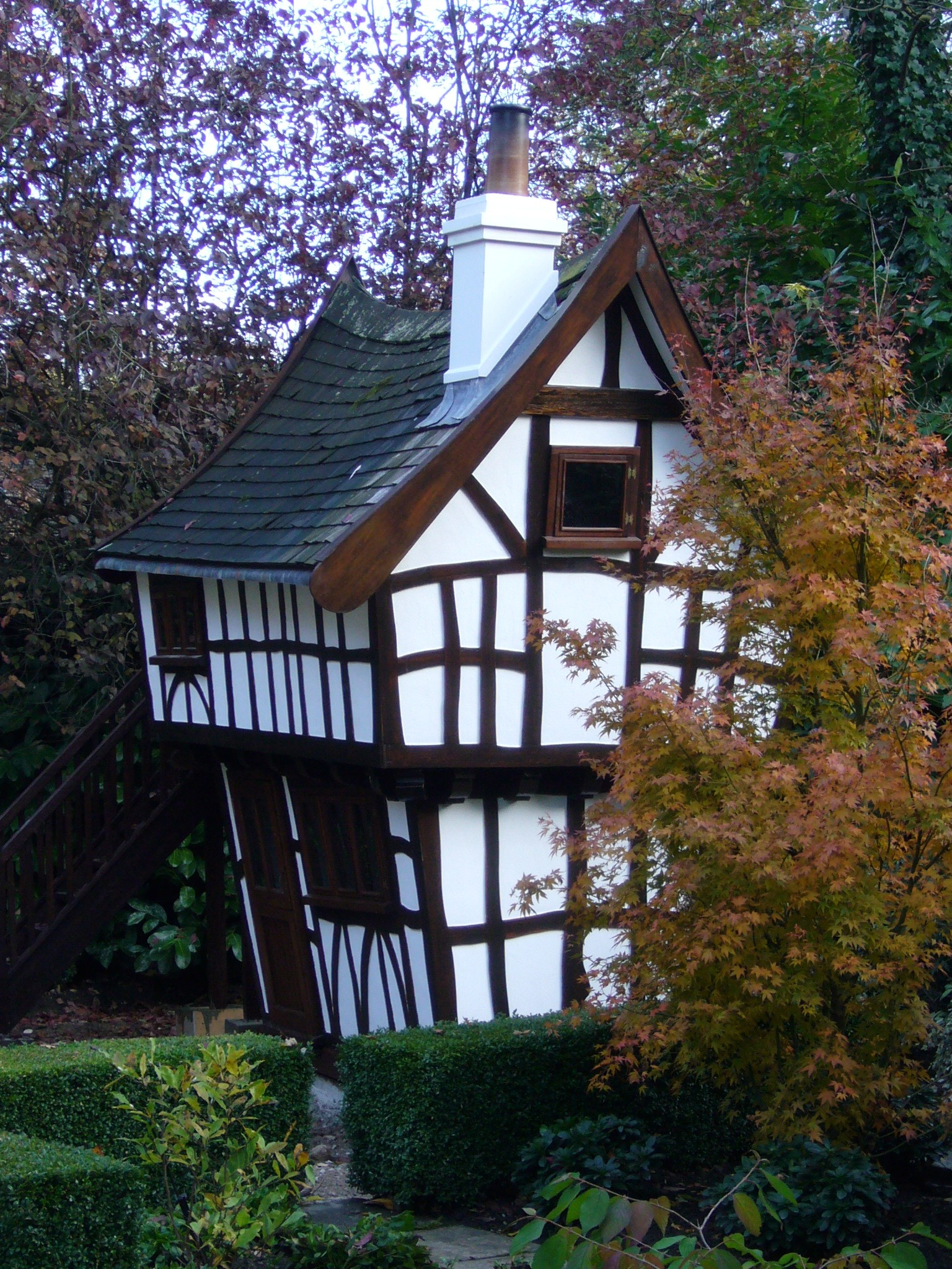 Tudor house flights of fantasy - What makes a house a tudor ...