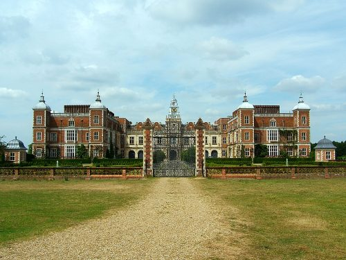 Hatfield House Real