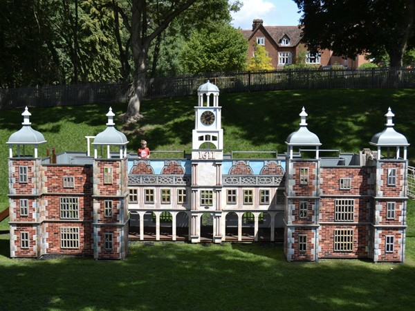 Hatfield House Themed Play Area