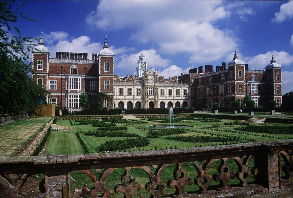 Hatfield_house