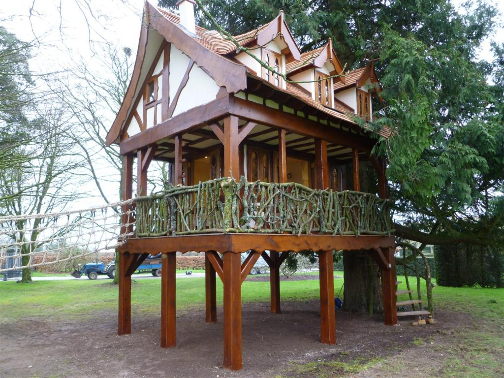 Main View Pinewood Hideaway Custom Built Bespoke Treehouse Playhouse