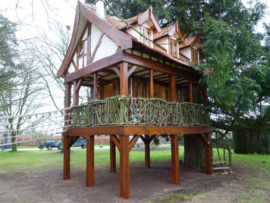 Main View Pinewood Hideaway Custom Built Bespoke Treehouse Playhouse