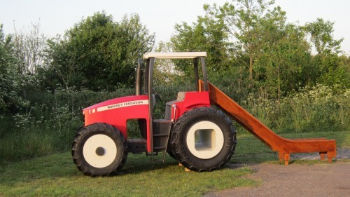 Massey Ferguson Replica Wooden Play Tractor in Norway 12