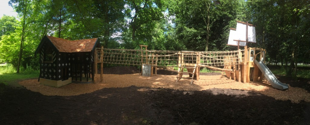 panorama-samlesbury-hall-childrens-outdoor-play-area-with-replica-landmark-and-the-mayflower-play-ship-by-flights-of-fantasy