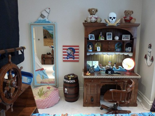 Pirate Writing Desk in Pirate Themed Bedroom