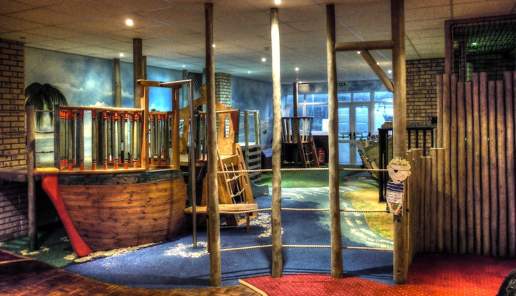 Smugglers Bar And Grill Indoor Pirate Play Area Flights