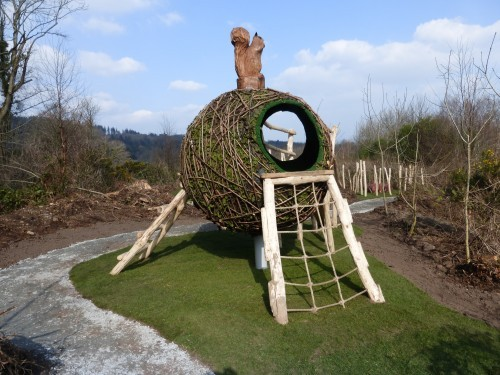 squirrels-drey-animal-wood-animal-themed-outdoor-play-area-with-animal-carvings-at-castlewellan-forest-park-northern-ireland