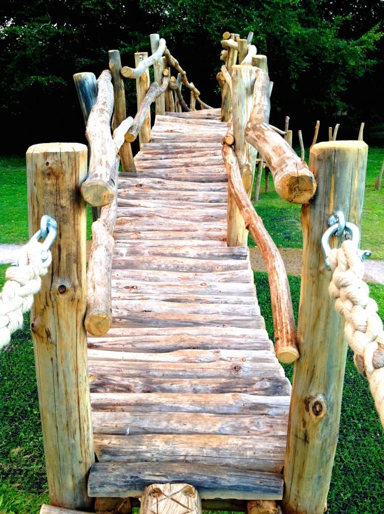 Sweet chestnut bridge - Farnham Park Rustic Outdoor Play Area 15