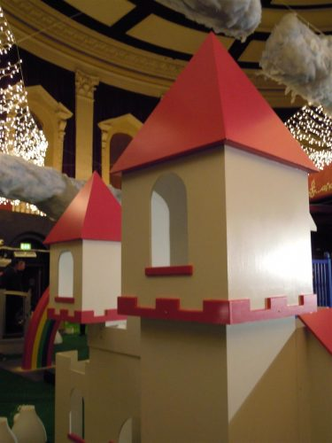 Turret Zoopla Fantasy Castle Playhouse Indoor Play Area Exhibition Stand