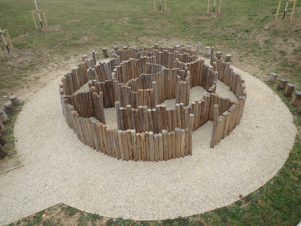 Weathering-Down-Westmorland-Gloucester-Services-M5-Outdoor-Play-Area-Maze-Labyrinth