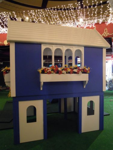 Window Box Back View Zoopla Fantasy Castle Playhouse Indoor Play Area Exhibition Stand