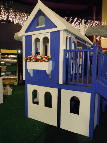 Window Box Zoopla Fantasy Castle Playhouse Indoor Play Area Exhibition Stand