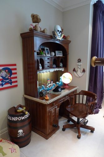 Writing desk decorated (Children's pirate bedroom themed interior)