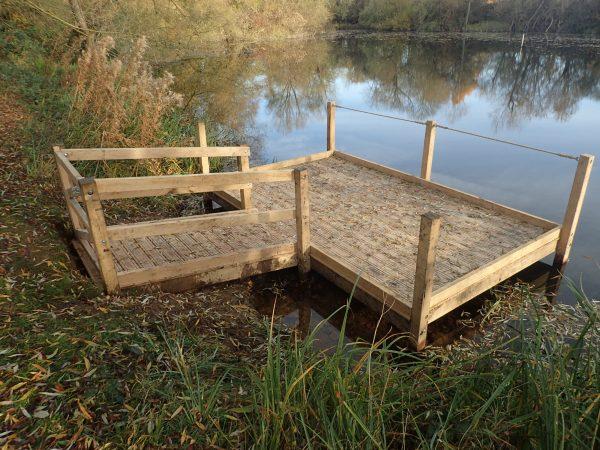 rushden lakes pond dipping platform
