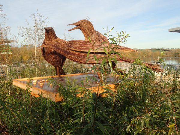 starling sculptures at rushden lakes
